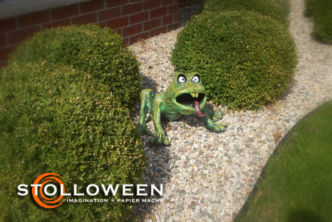stolloween-frog-photos-37