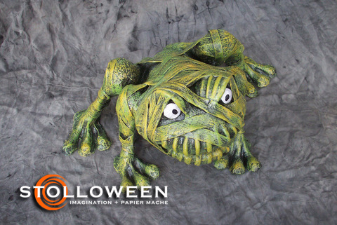 stolloween-frog-photos-45