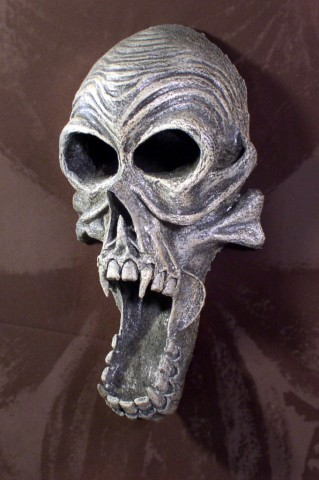 STOLLOWEEN SKULL WALL HANGING 002 (2)