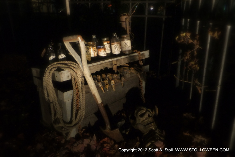 BLACK GATE 2012-DEAD OF NIGHT- (2)