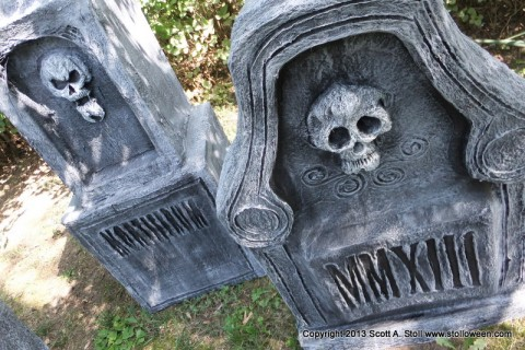 How To Chunky Tombstones Stolloween