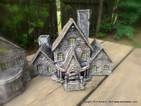 HAUNTED BUILDING MINIATURES (10)