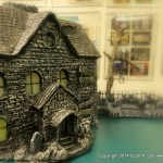 HAUNTED BUILDING MINIATURES (6)